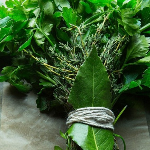 Bouquet garni - (persil plat, thym, laurier)